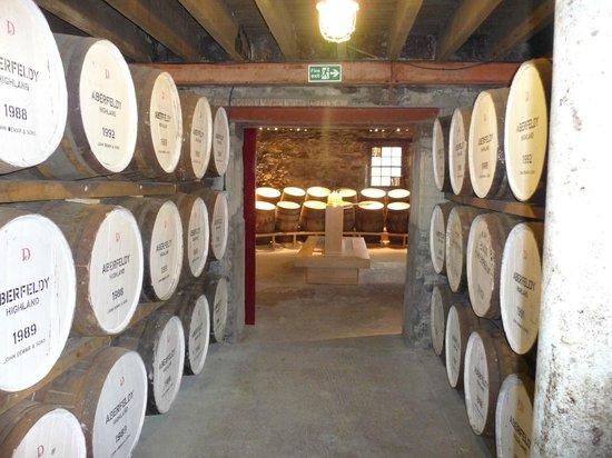 Dewar's Aberfeldy Distillery: Casks in the warehouse