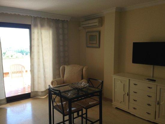 Club Bellasol: room