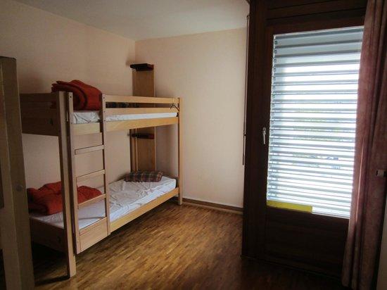 Geneva Hostel: Habitación