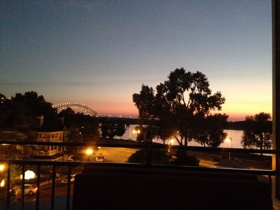 Terrace At The River Inn: Love My view from work!!