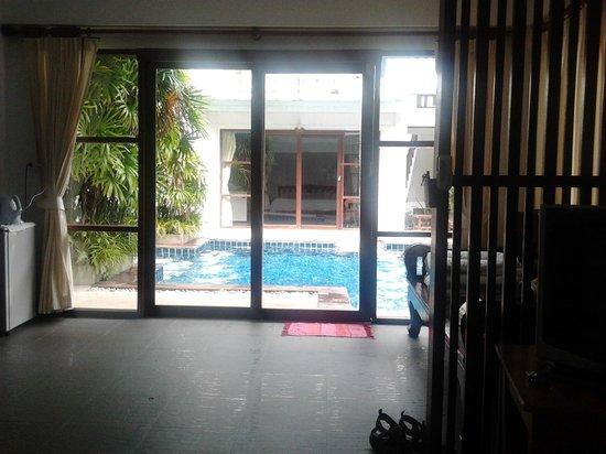 Florist Resort: look outside the room