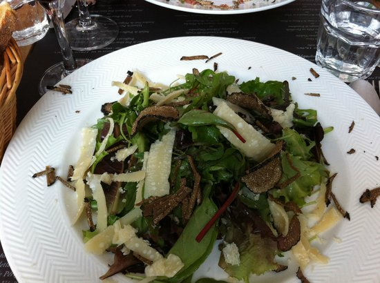 Le vin au 10 : Salad with truffle