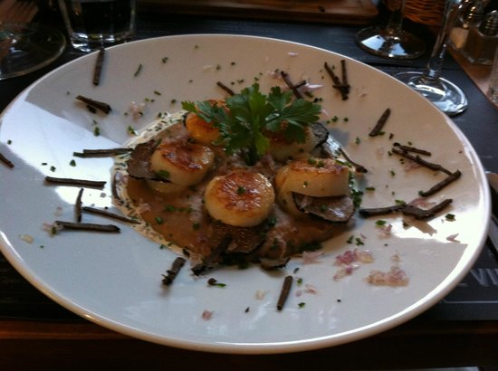 Le vin au 10 : Scallop with truffle
