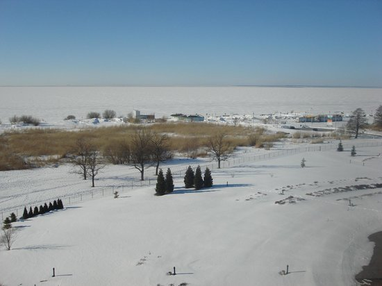 Tervise Paradiis Spa Hotel & Water Park: замерзший залив
