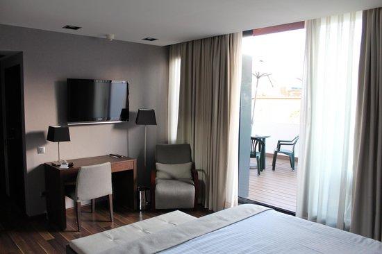 Aparthotel Mariano Cubi : Вид с кровати