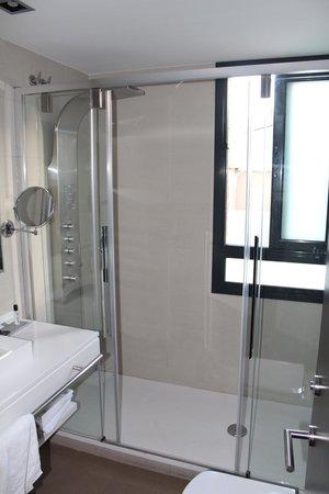 Aparthotel Mariano Cubi : Ванная комната