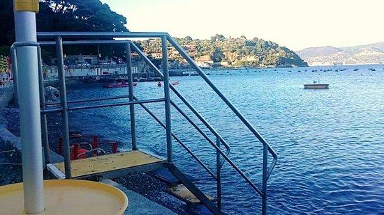 Locanda La Lucciola: Marinella beach nearby, great for an evening swim