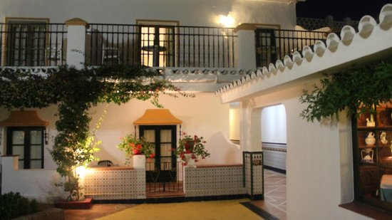 Globales Cortijo Blanco Hotel : More showing 'village feel' to the rooms