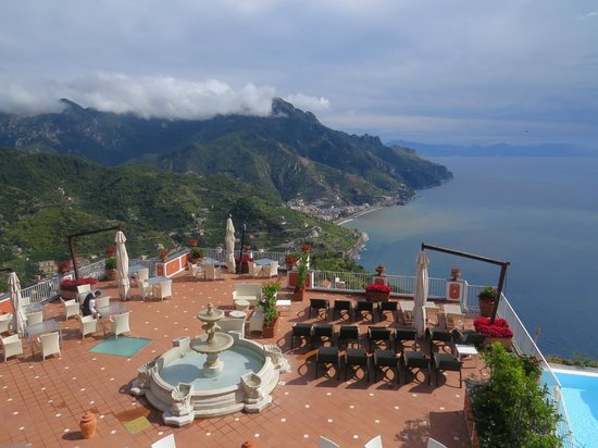 Hotel Villa Fraulo: View of the hotel terrace