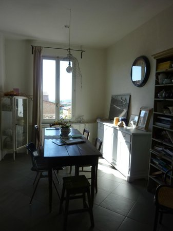 B&B Paradiso no 4 : Living room and place to have breakfast