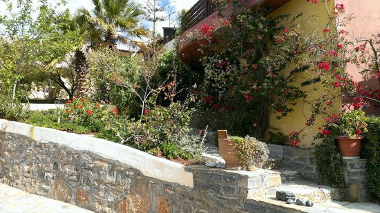 Villa Galini: Gardens