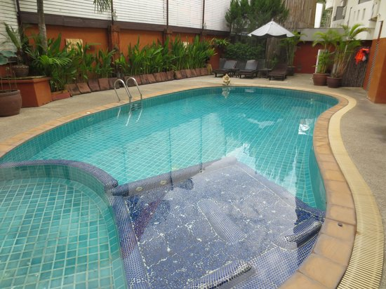 The Album Loft at Nanai Road: Cute pool area