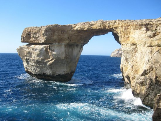 Dive Malta Dive Centre : Azure window in Gozo.