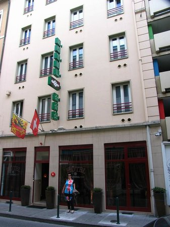Hotel Admiral Geneva: Street View