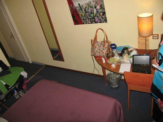 Hotel Admiral Geneva : Room