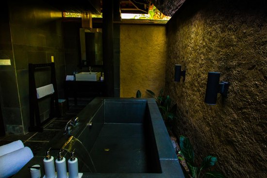 Anantara Mui Ne Resort: Villa bathroom