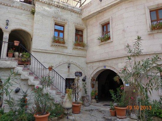 Caravanserai Cave Hotel: Interior do hotel