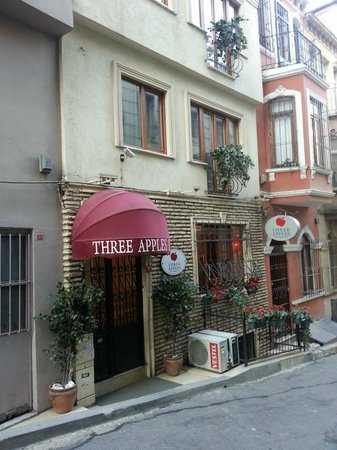 Three Apples Taksim Suites: Entrance