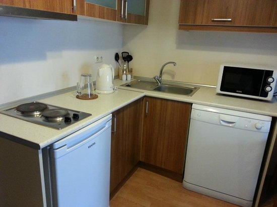 Three Apples Taksim Suites: Kitchenette