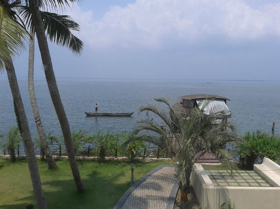 The Zuri Kumarakom: View from the Trunk Call Bar