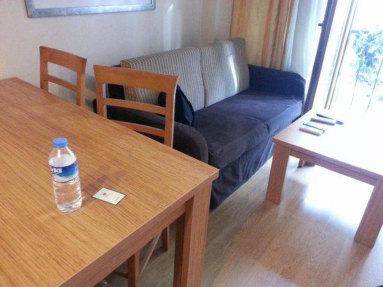 Three Apples Taksim Suites: Mini lounge