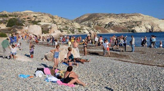 Aphrodite's Rock: Crowds of Tourists....