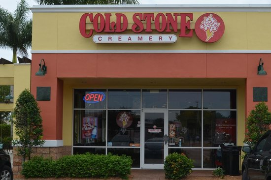 Cold Stone Creamery raises ice cream to an art form. The company's creations start with super-premium ice cream made in-house each day as a base for cones, shakes, cakes, cookie sandwiches, pies, and more. And Cold Stone encourages you to get creative, too, by choosing from dozens of toppings to mix into your treat.
