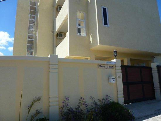 Monalysa St Honore Apartment & Studios: HOTEL MONALYSA ST HONORE