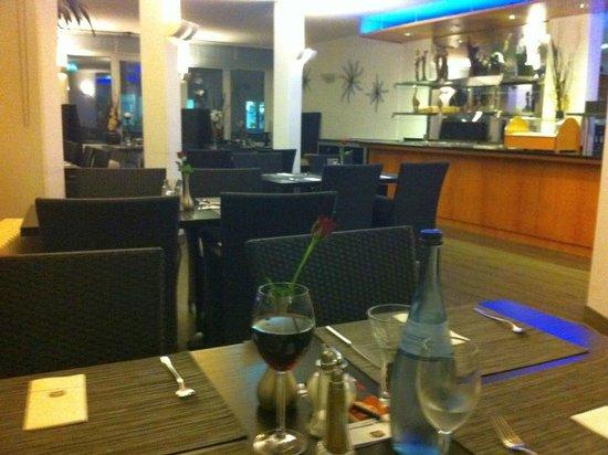 Best Western Plazahotel Stuttgart-Filderstadt: Restaurant abends und für Frühstück
