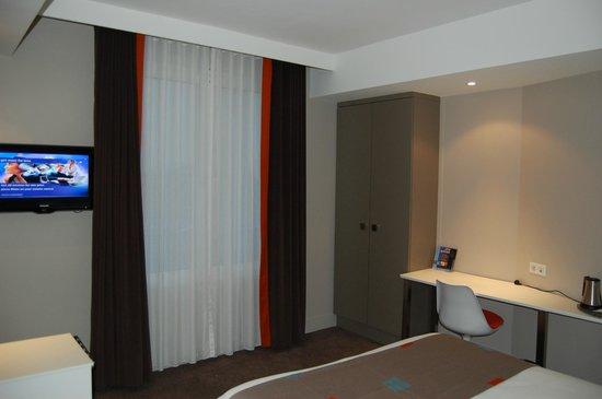 Holiday Inn Paris Auteuil: Компактный номер