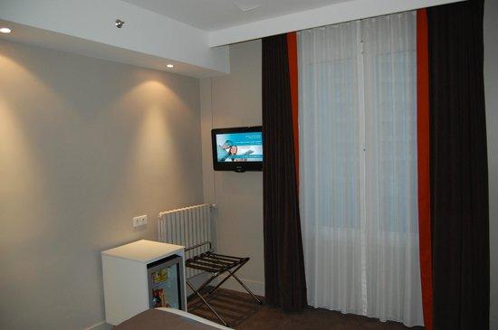 Holiday Inn Paris Auteuil: Вид с кровати