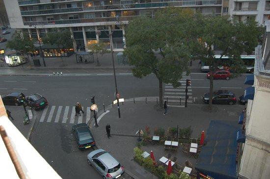 Holiday Inn Paris Auteuil: Вид из окна