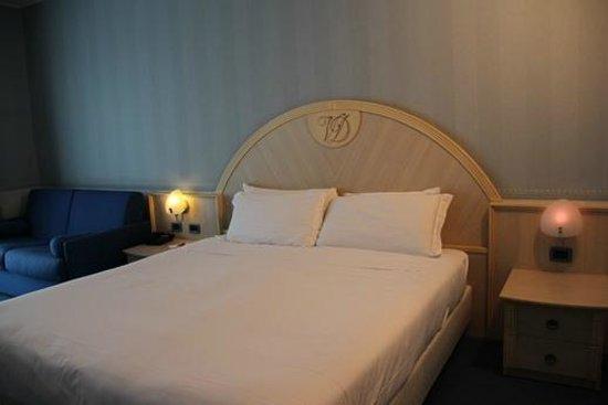 CDH Hotel Villa Ducale: Big comfortable bed