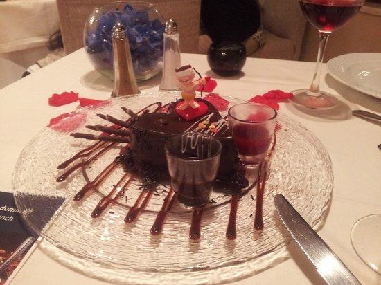 Hotel Guadalmina Spa & Golf Resort : Detalle del primer aniversario.