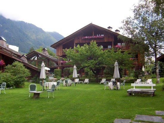 La Maison Carrier: Maison Carrier vista dal giardino