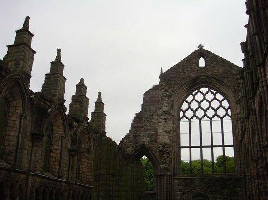 Holyrood Park : Руины аббатства:)