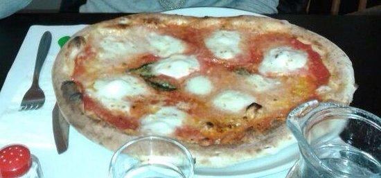 Pizza Mari': Gnam!