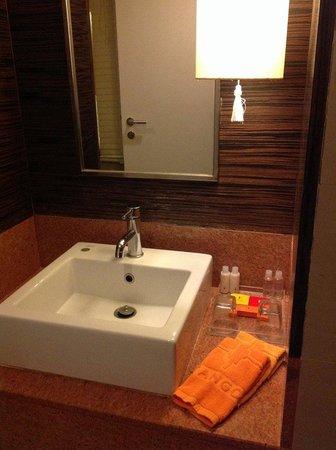 Tango Vibrant Living Place: wash area