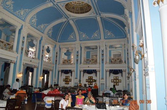 Lalitha Mahal Palace Hotel: royal breakfast