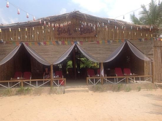 Pernem, Indien: The best shack on the beach, Fish and Feni