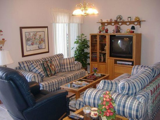 Apple Blossom Bed & Breakfast: Guest reading/TV area