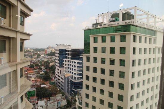 Complimentary picture of mandarin plaza hotel cebu city - Mandarin hotel cebu swimming pool ...