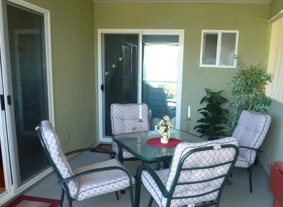 Apple Blossom Bed & Breakfast: The balcony off the Master Suite