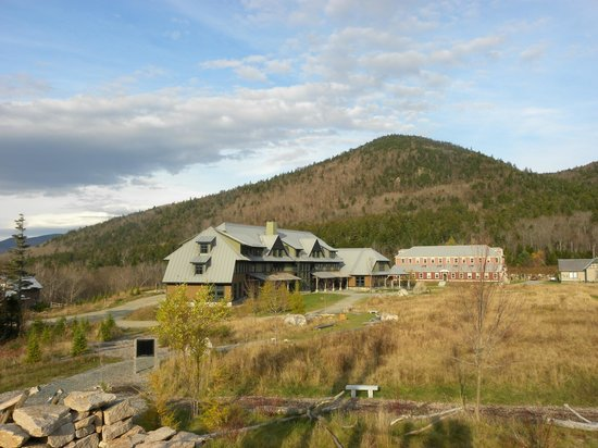 Highland Center Lodge at Crawford Notch: Highland Center Lodge from Playscape