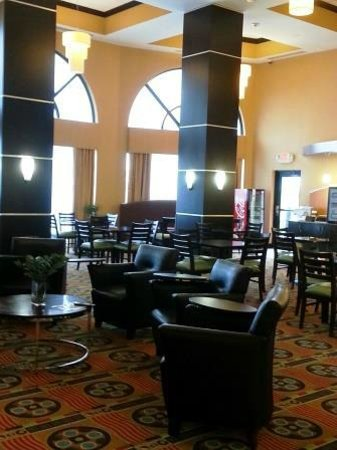 Holiday Inn Express Hotel & Suites Nashville - Opryland: Holiday Inn Express Nashville: Breakfast room