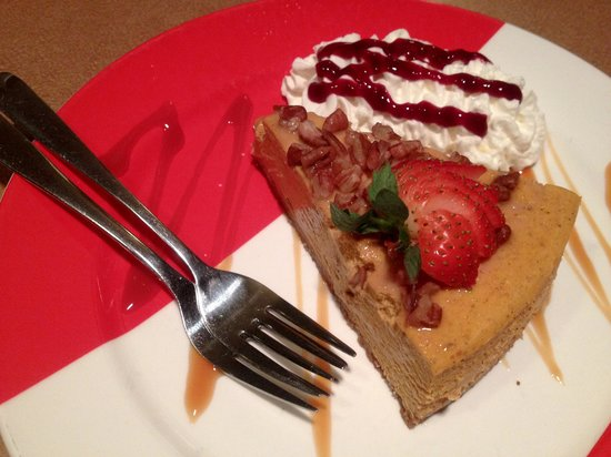 Glenwillow Grille: Pumpkin Pie Cheesecake for two