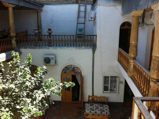 Hotel Nazira: Le patio, pour les petits-déjeuners