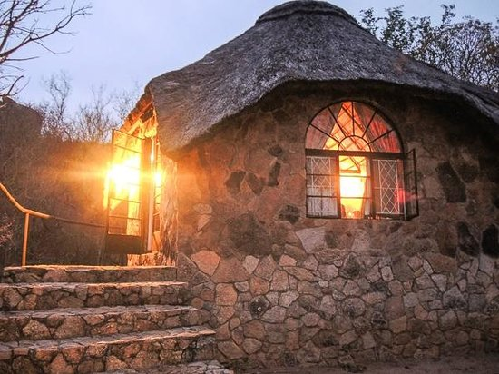 Matobo Hills Lodge: Outside my cabin