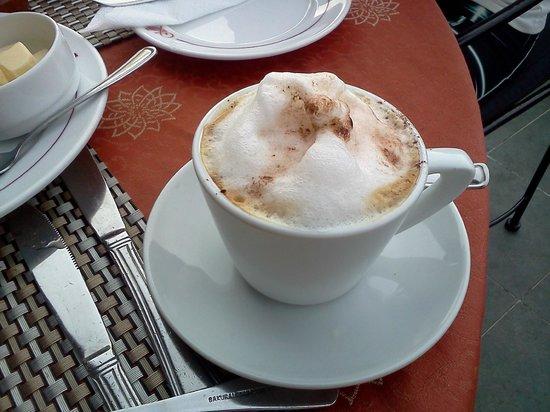 Kandyan Arts Residency: splendido cappuccino