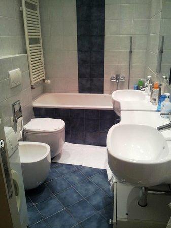 B&B Al Molo: bagno fronte camera ad uso privato